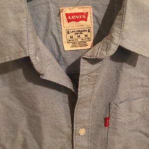Levi's Button Down Shirt 👕